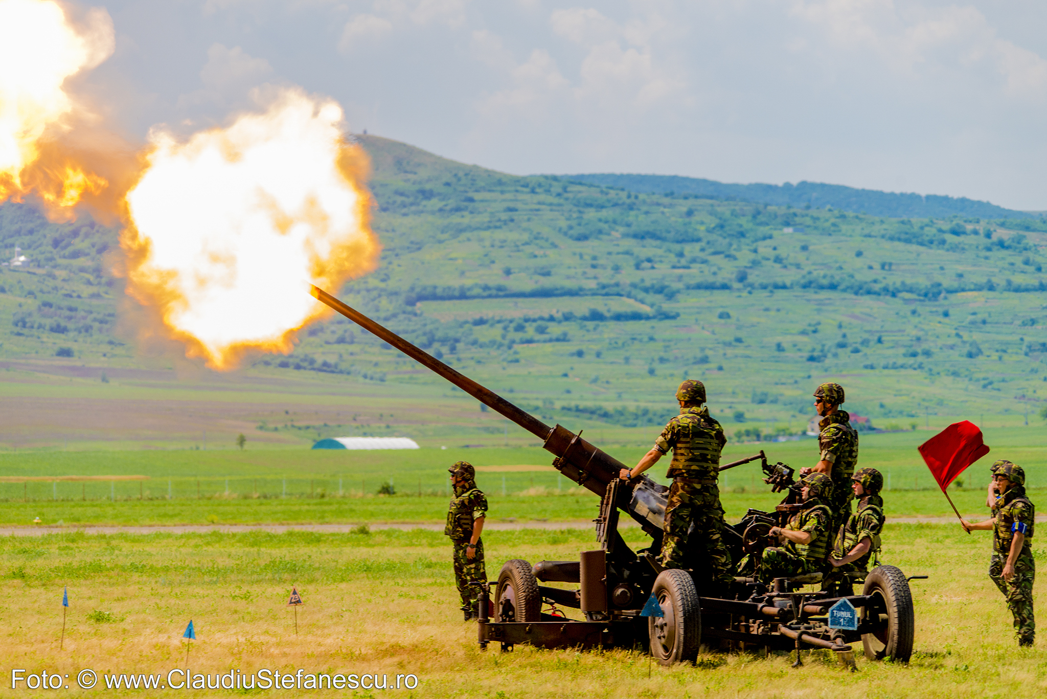 Artileriști tunuri