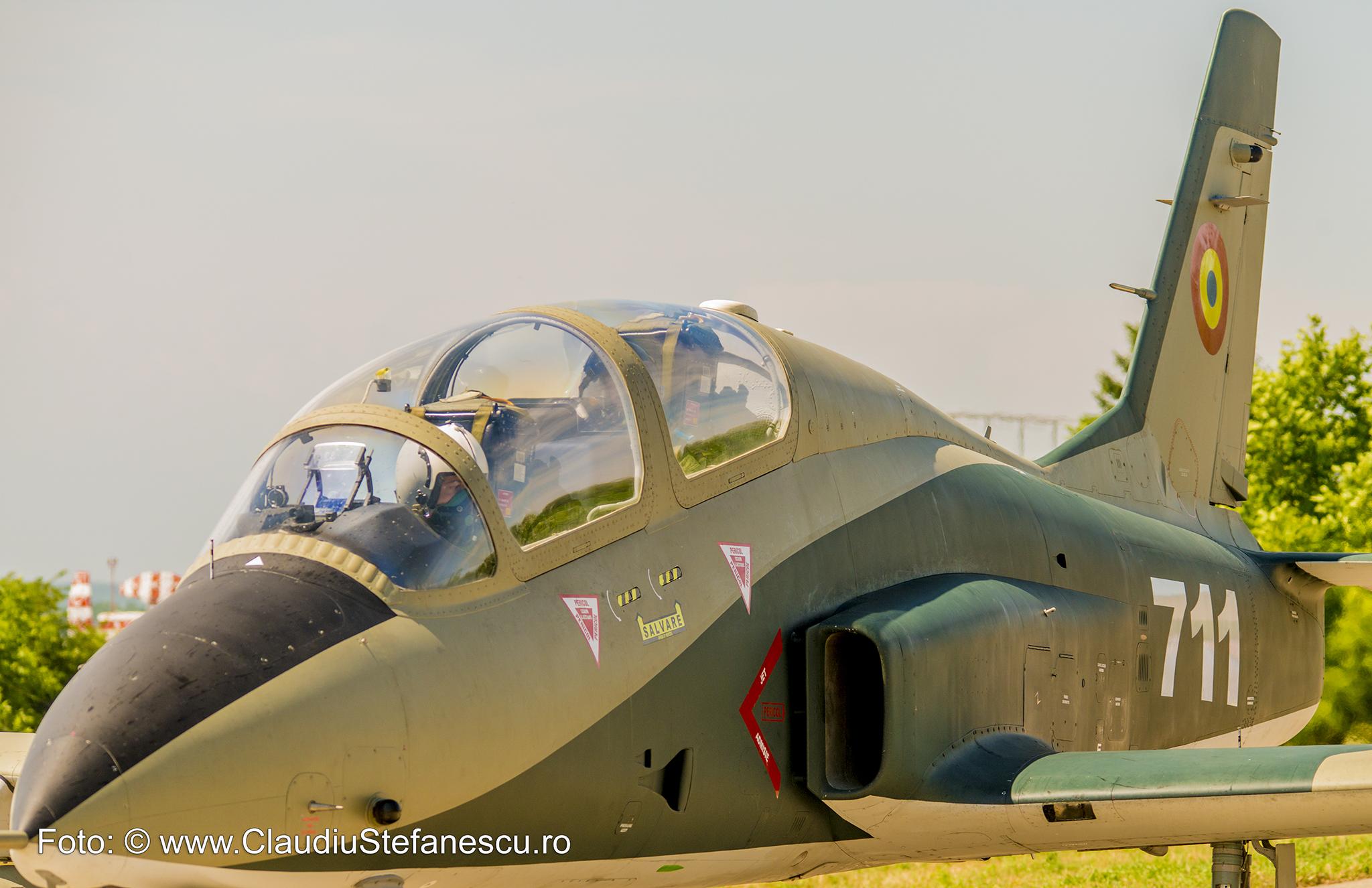 Avion militar Șoim